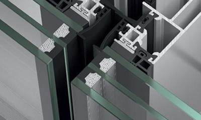 triplo vetro Ridurre il fabbisogno energetico: vetro a controllo solare